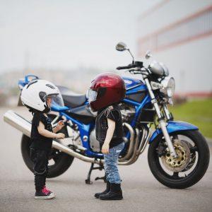 kleine Frauen ganz gross - Motorrad Fahrschule Köln